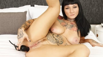 Monte Luxe - Monte Fucks Her Ass